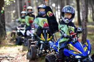 Kids auf Quads